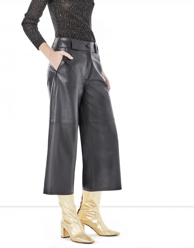 Jupe-culotte noire en cuir