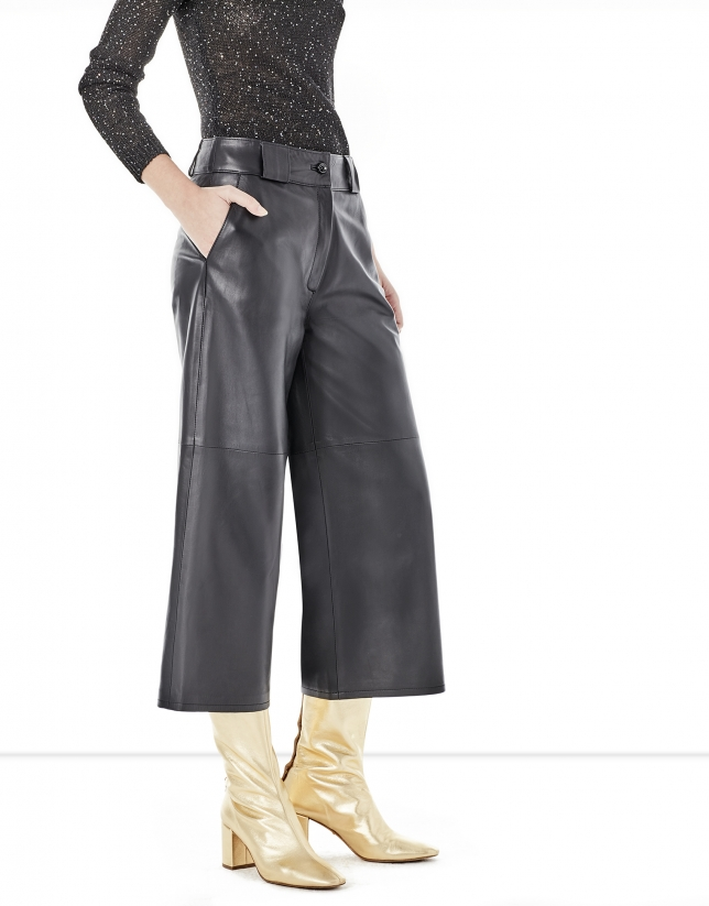 Pantalón culotte piel negra
