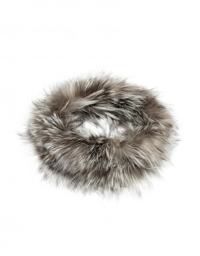Cuello pelo zorro gris ceniza