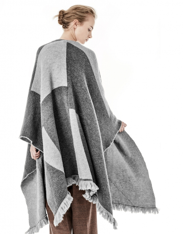 Gray geometric print cape