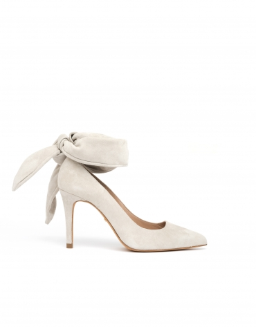 Nude colored Saint Tropez pumps