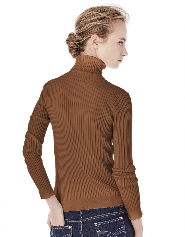 Red brick ribbed sweater