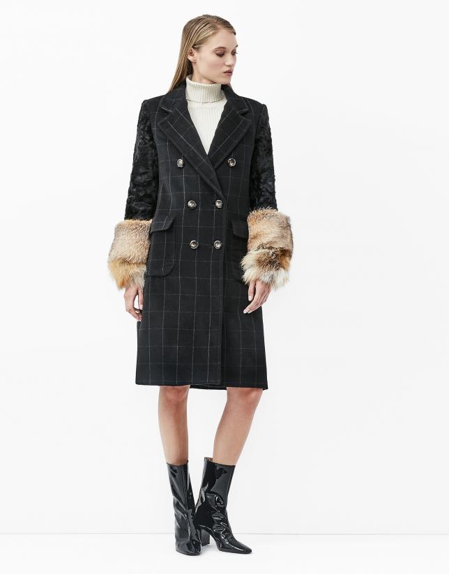 Manteau noir à carreaux, manches en cuir