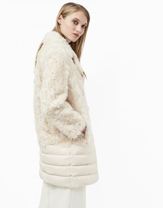Manteau beige cuir et plumes
