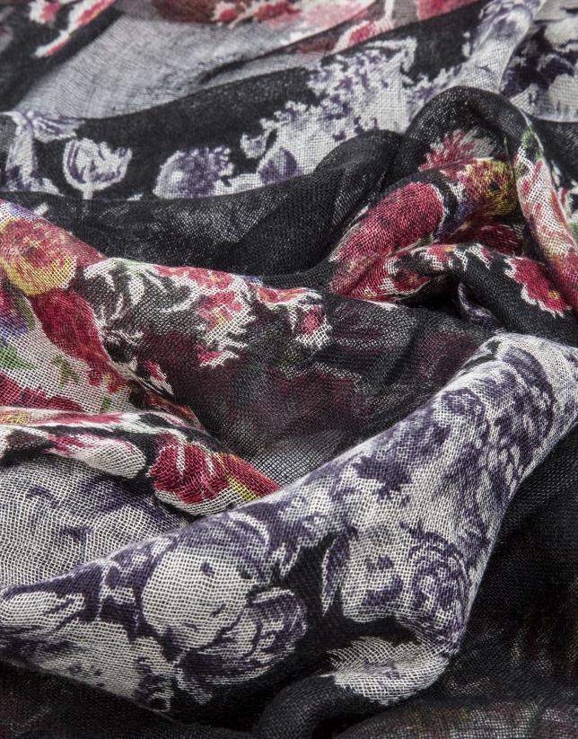 Chal estampado floral fondo negro