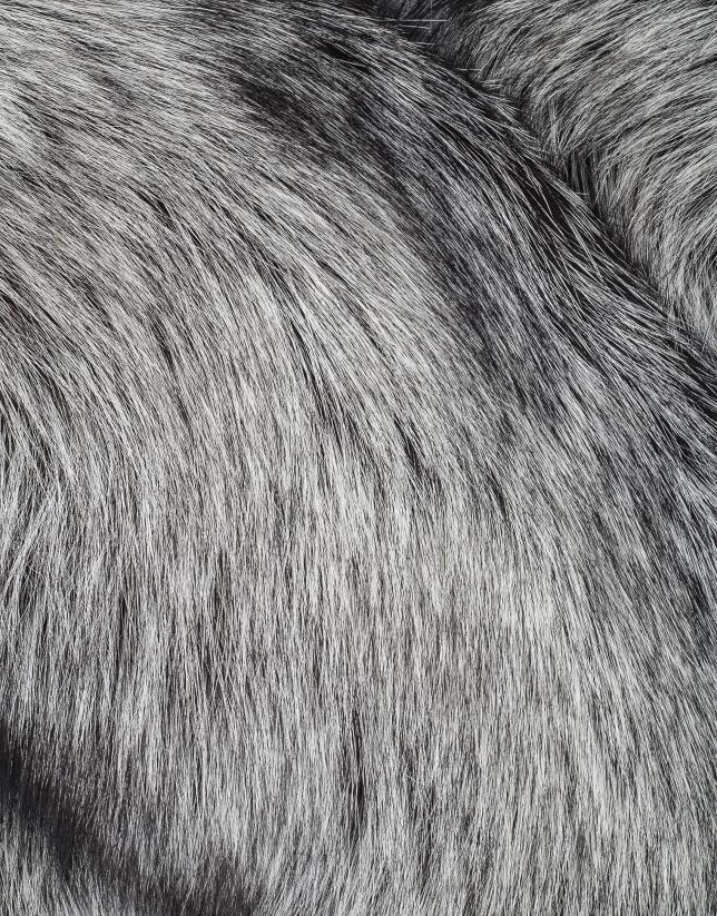 Tour de cou grand en peau de renard gris