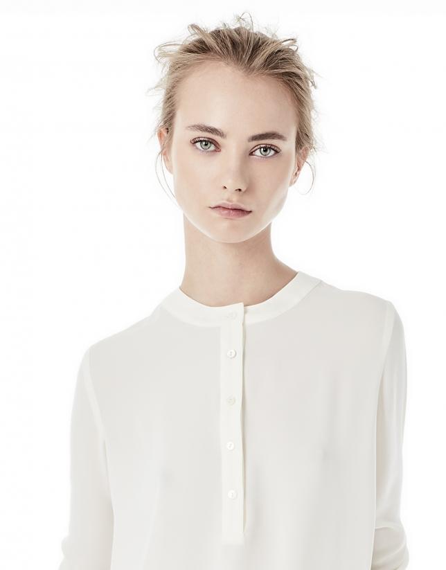 Blusa cuello redondo blanco roto