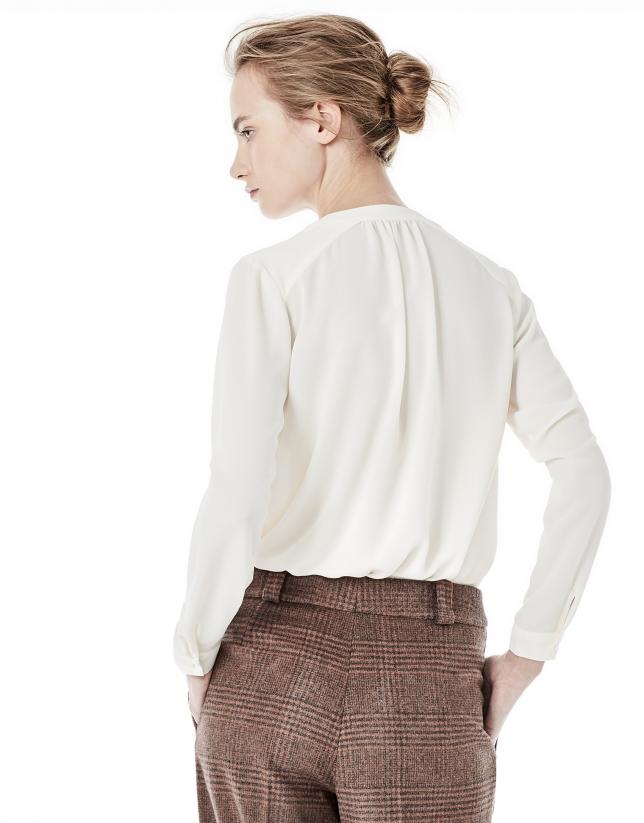 Off white blouse with round neckline