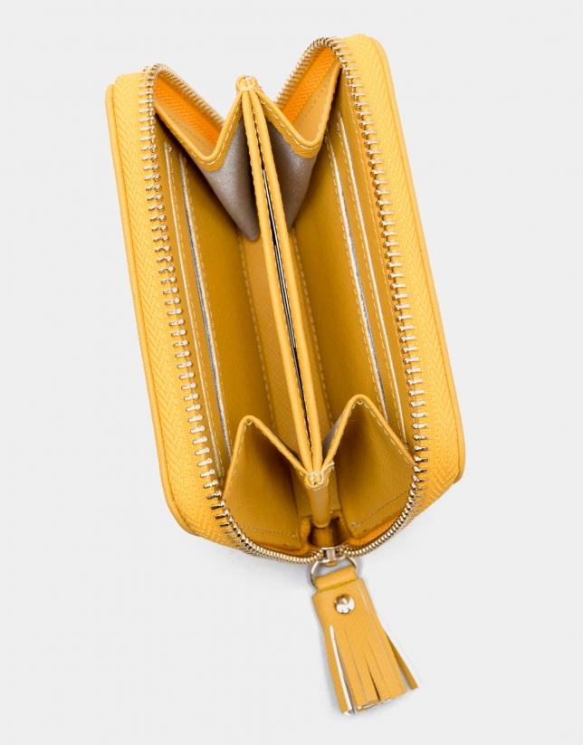 Monedero nano piel saffiano amarillo