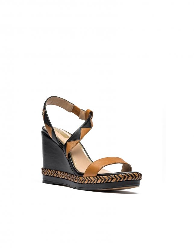 Sandales compensées en cuir marron Cannes