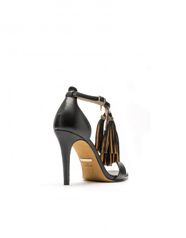 Sandale en cuir caprin noir Paris