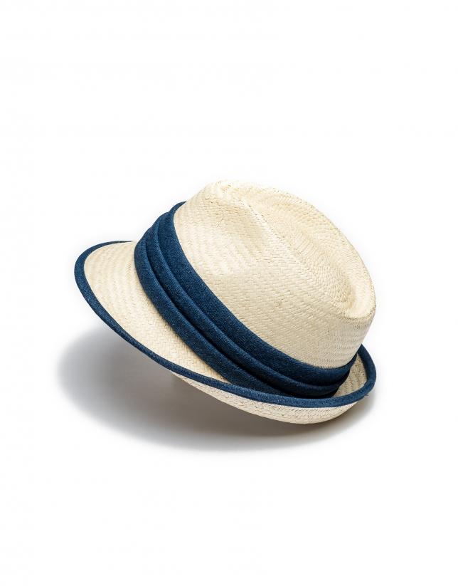 Chapeau en raphia à bord court