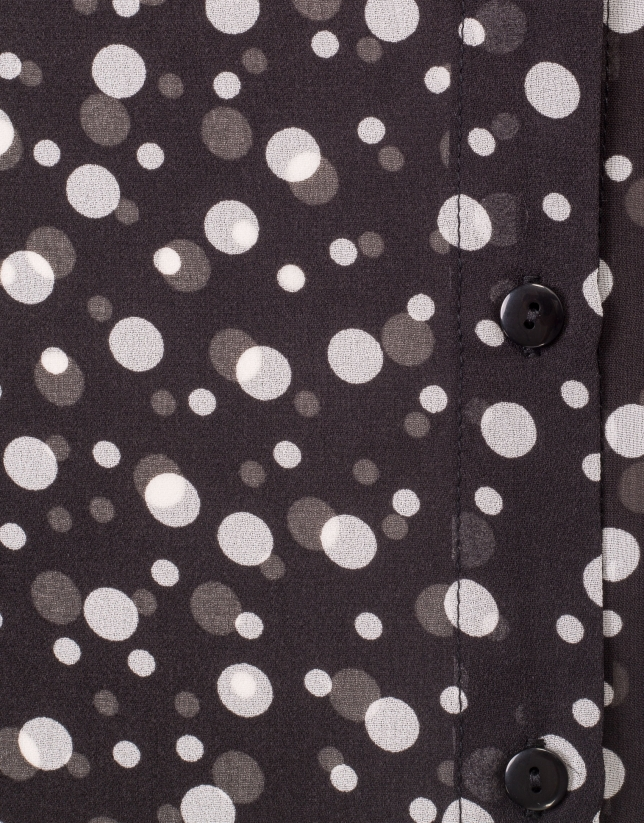 Shirt with polka dots