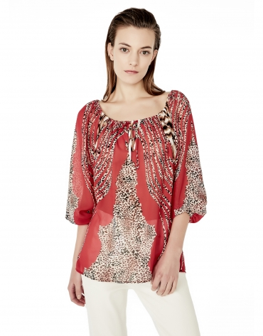 Red loose  off-the-shoulder neck shirt