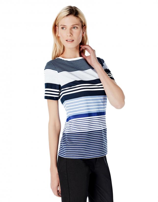 T-shirt bleu à rayures
