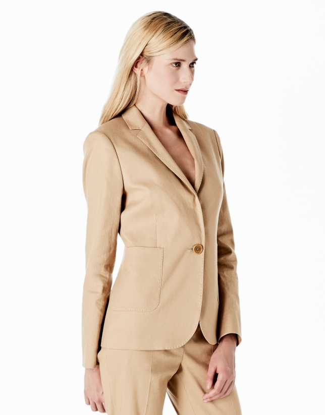 Hazelnut linen blazer