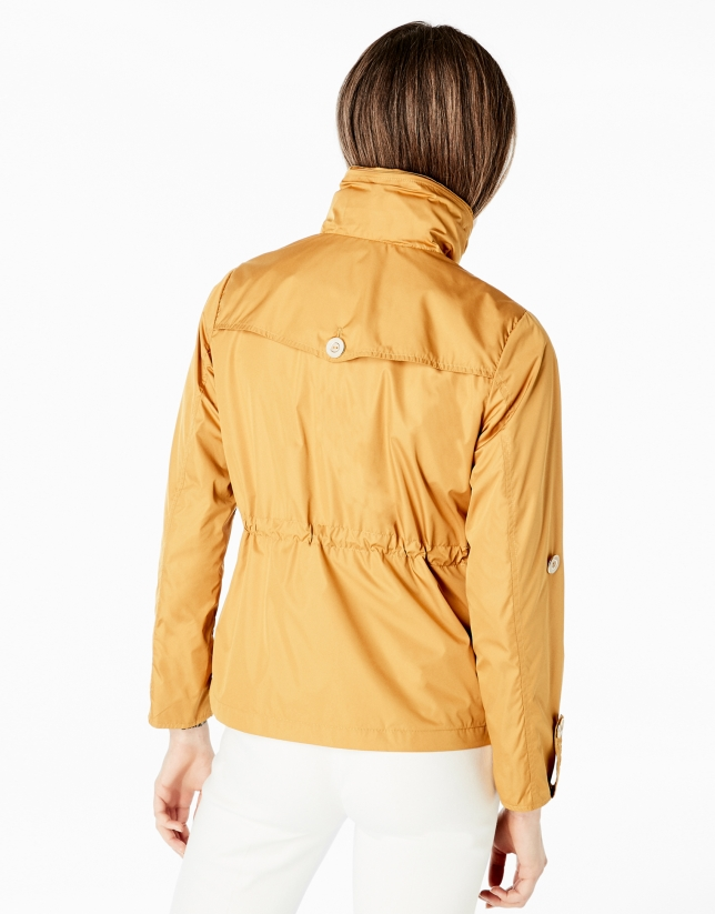 Amber short windbreaker