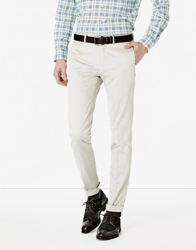 Pantalón traje color piedra