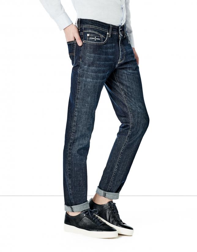 Jean coupe ajustée (slim fit) bleu foncé