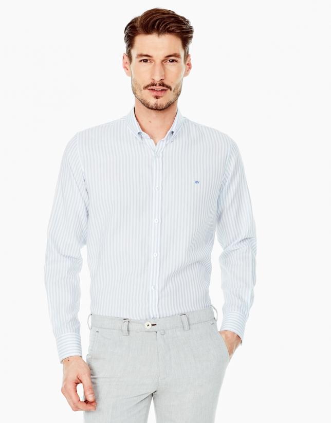 Chemise décontractée bleue à rayures
