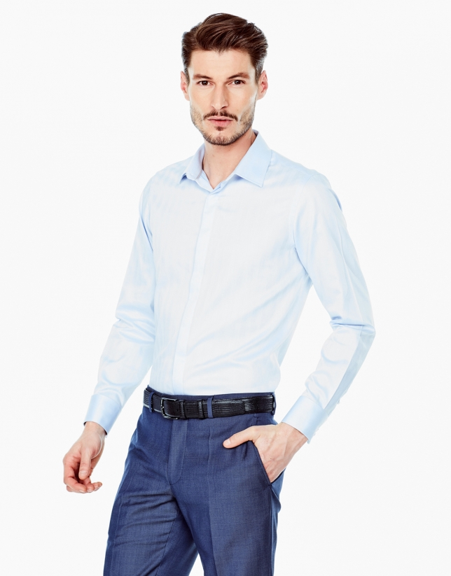 Chemise de costume bleu ciel à chevrons