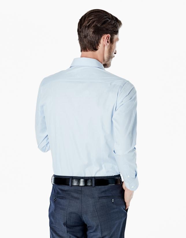 Camisa vestir slim fit microdibujo pata de gallo celeste