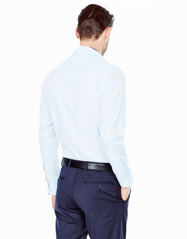 Chemise de costume coupe ajustée (slim fit) à rayures bleu ciel