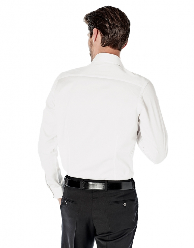 White design slim fit dress shirt collection roberto for Dress shirt fitted vs slim