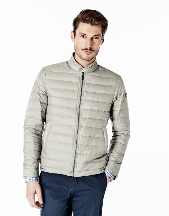 Beige quilted windbreaker
