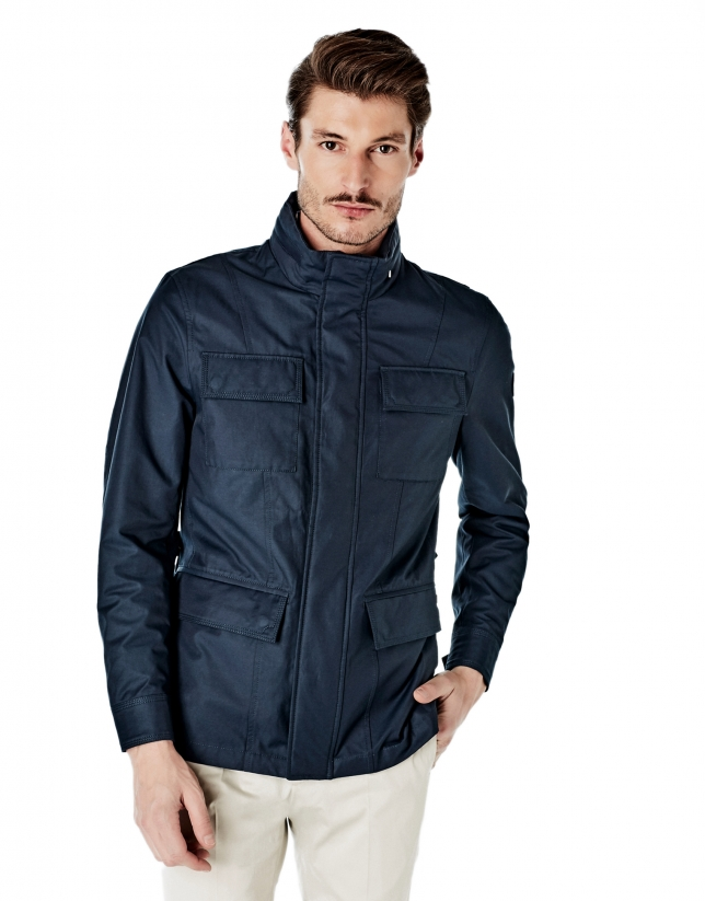 Navy blue parka with 4 pockets