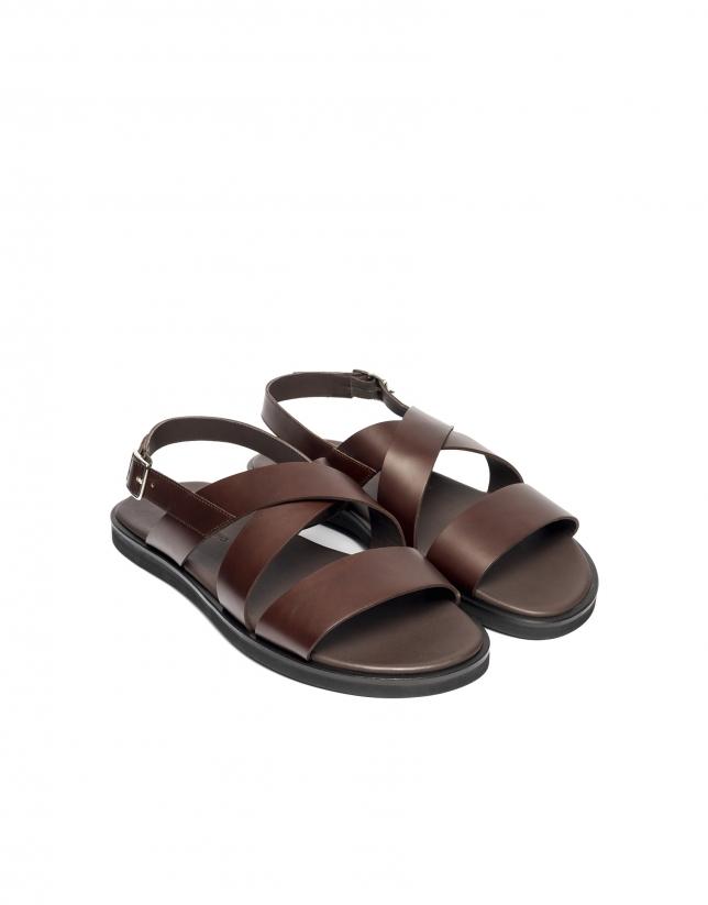 Sandales à brides en marron
