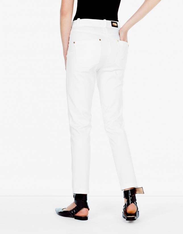 Pantalón pitillo beige