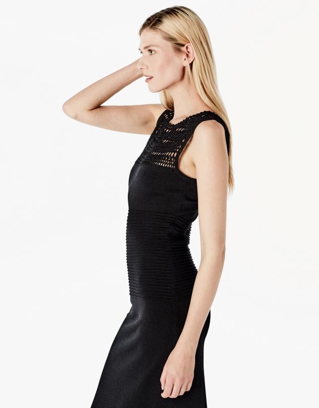 Vestido largo punto negro calado