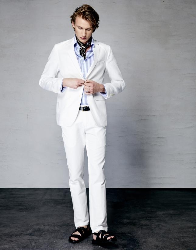 Costume blanc en lin