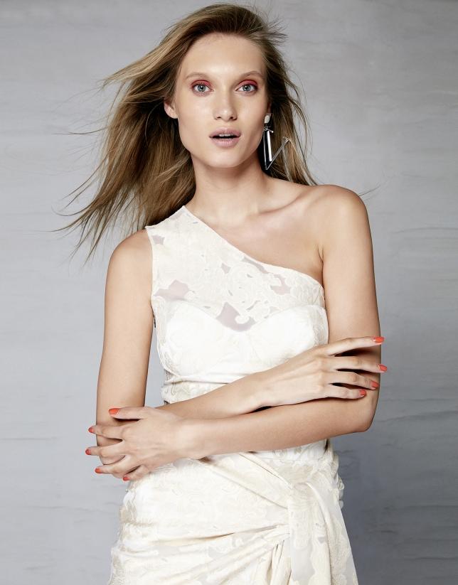 Vestido asimétrico brocado fil coupé flores beige