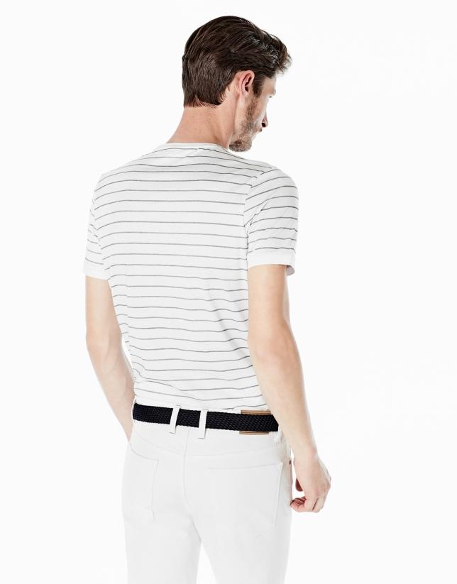 T-shirt blanc à rayures bleu marine