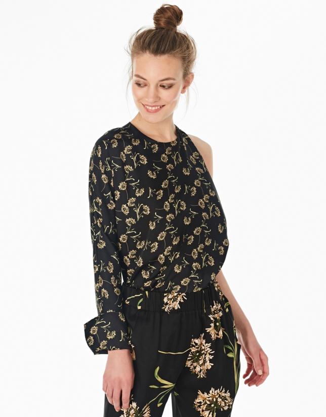 Blusa asimétrica negra estampado flores