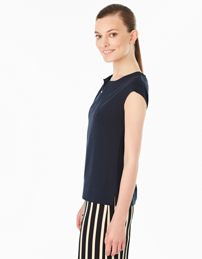 T-shirt sans manches couleur bleu marine