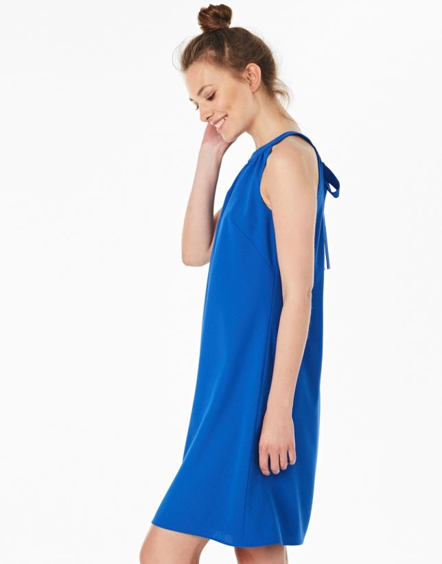 Vestido escote Halter azul cobalto