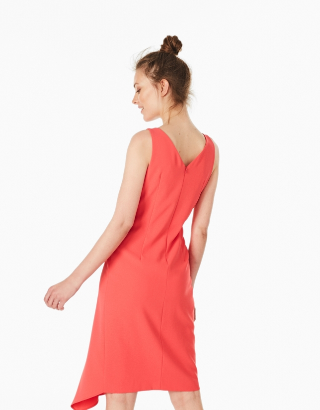 Petunia-colored flounce dress