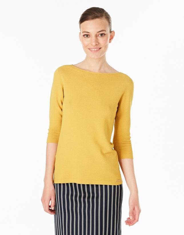 Plain amber sweater