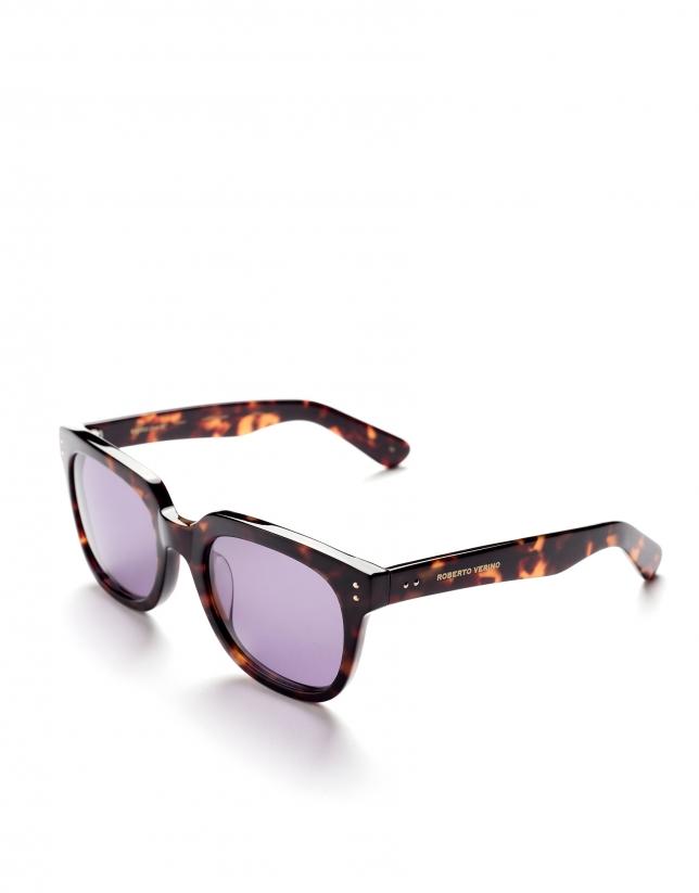 Brown tortoise square plastic sunglasses