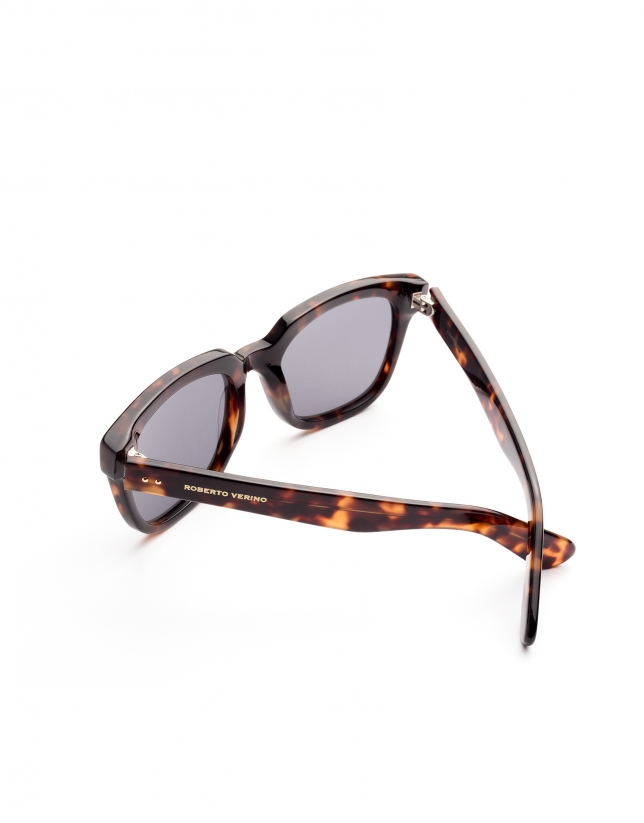 Brown tortoise plastic mirrored sunglasses