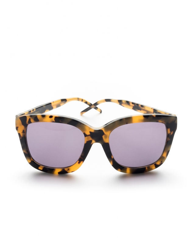 Brown yellow tortoise sunglasses