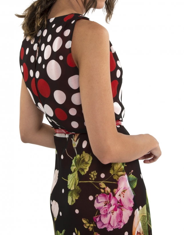 Dress with polka dots and flowers and coral lining