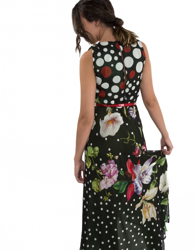 Dress with polka dots and flowers and green lining