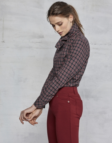 Maroon pants with 5 pockets