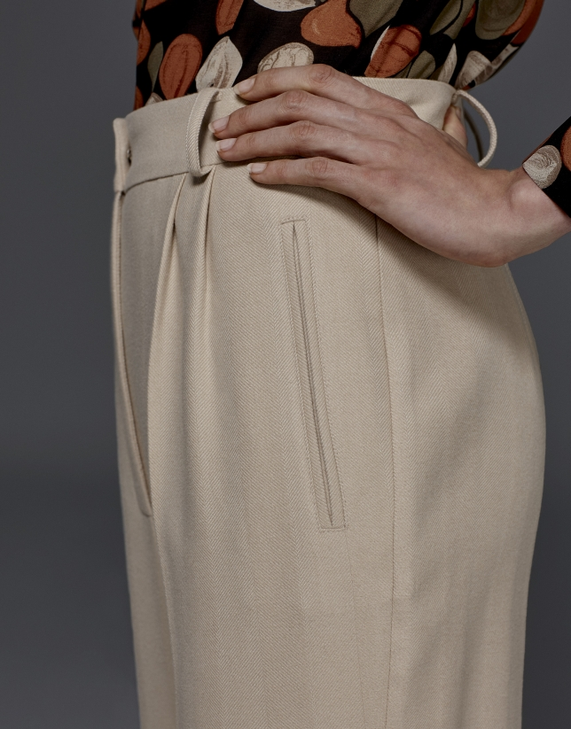 Beige herringbone pants with darts