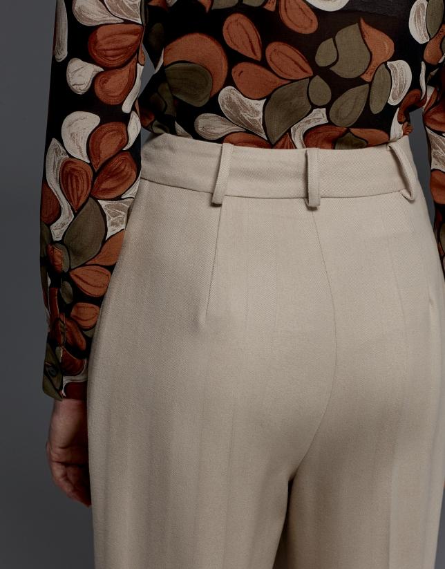 Beige herringbone pants with darts