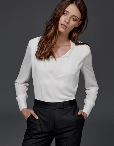 Ivory loose blouse with V neck